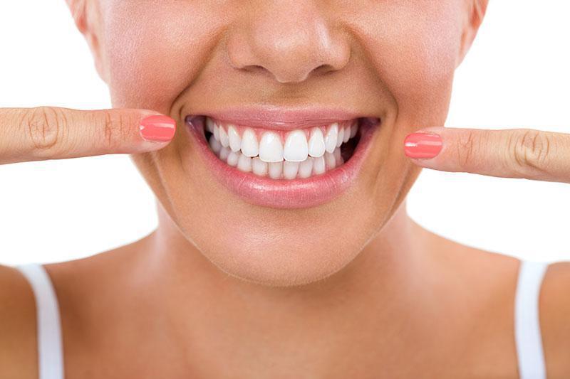 Antes e Depois Clareamento Dental