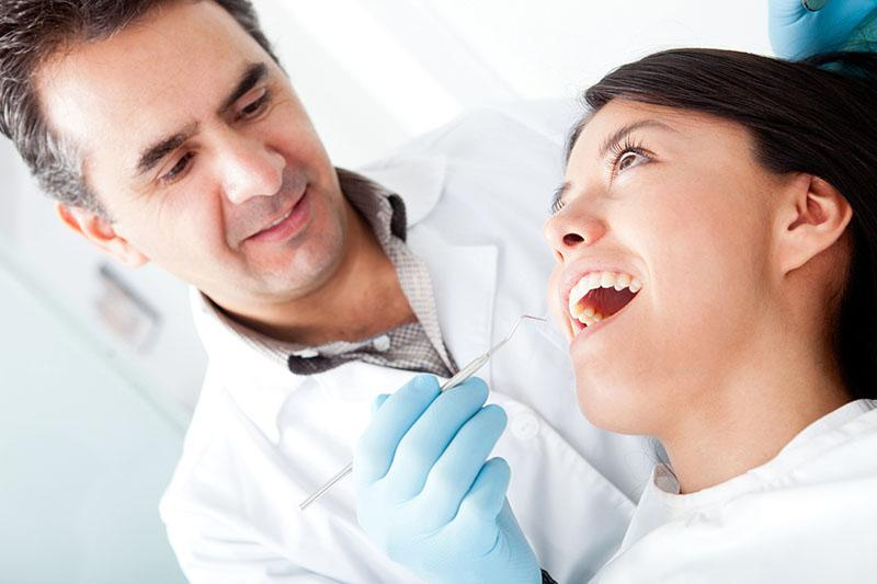 Especialista que faz Canal no Dente