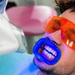 Aparelho De Clareamento Dental A Laser